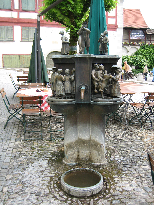 Aesop-Brunnen vorher